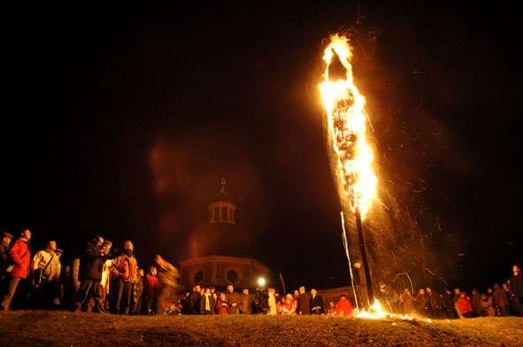 Fiesta de Krakelingen y Tonnekensbrand